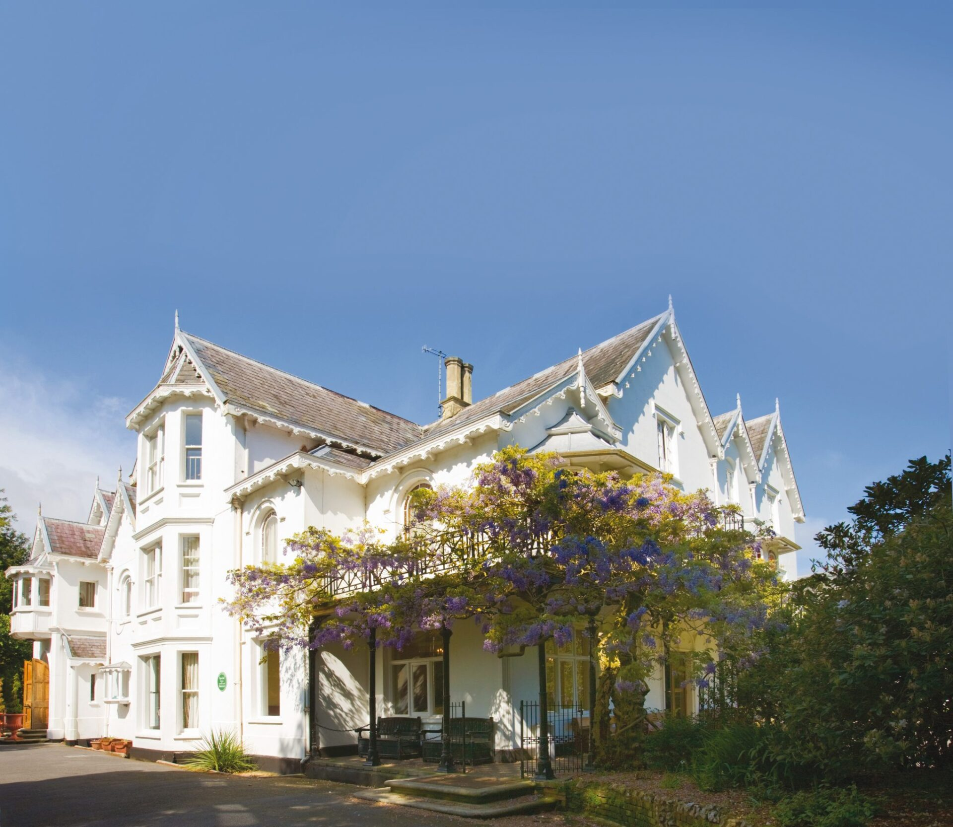 Summer holiday at the majestic Georgian manson in Sidmouth